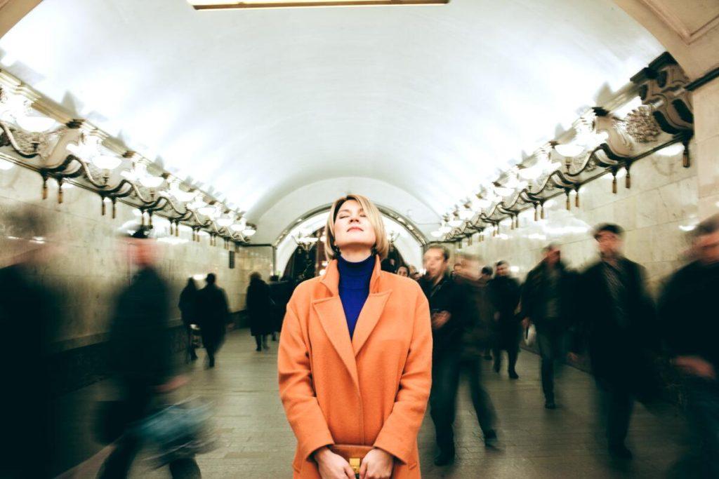 Инна Кулеба в московском метро.